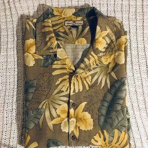 Tommy Bahama Hawaiian style Button down shirt. XXL